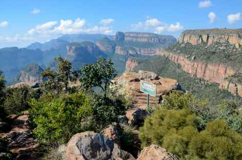 Rando face aux Three Rondavels, Blyde River Canyon - Afrique du Sud -