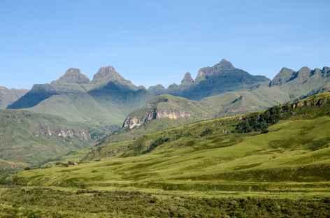 Majestueux massif de Cathedral Peak, Drakensberg - Afrique du Sud -