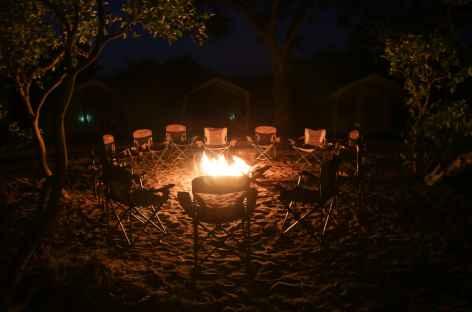 Ambiance du feu de camp - Botswana -