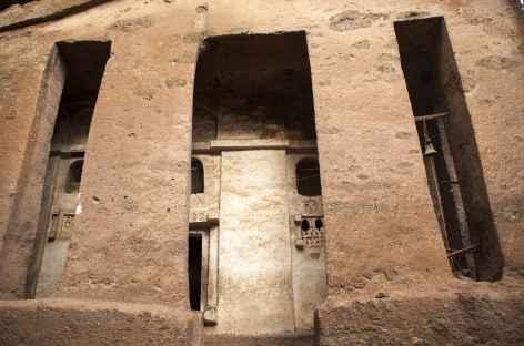 Une des nombreuses églises monolithiques de Lalibela - Ethiopie -