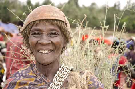 Femme Bana, marché de Key Afer, Vallée de l'Omo - Ethiopie -