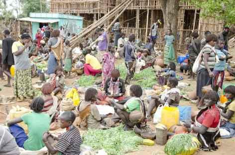 Le marché du jeudi de Key Afer, Vallée de l'Omo - Ethiopie -