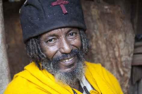 Prêtre dans le massif du Gheralta, Ethiopie -