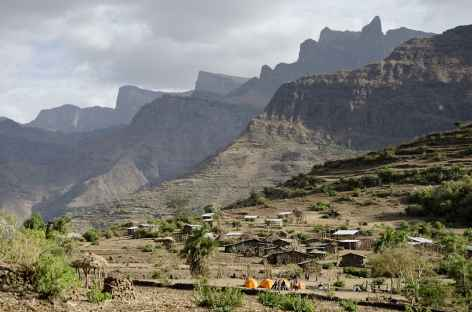 Notre campement au village de Mekarebya (2100 m) - Ethiopie -