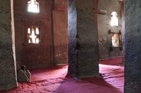 Une des nombreuses églises troglodytes de Lalibela - Ethiopie -