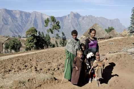 En contrebas du village de Sona, Simien - Ethiopie -