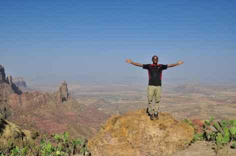 L'un de nos guides lors d'une randonnée dans le massif du Gheralta - Ethiopie -