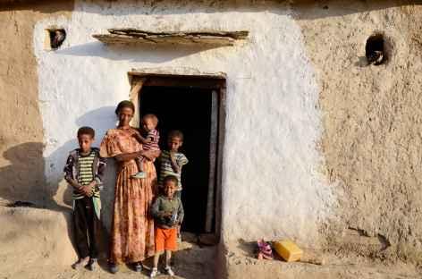 Rencontre avec les villageois, massif du Gheralta - Ethiopie -