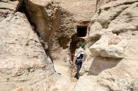 Entrée de l'église Yohannes Maqudi, massif du Gheralta - Ethiopie -