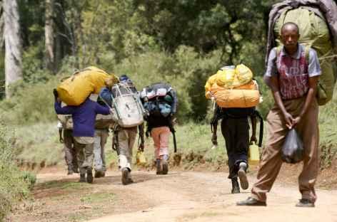 Nos porteurs au départ de la voie Sirimon, Mont Kenya - Kenya -