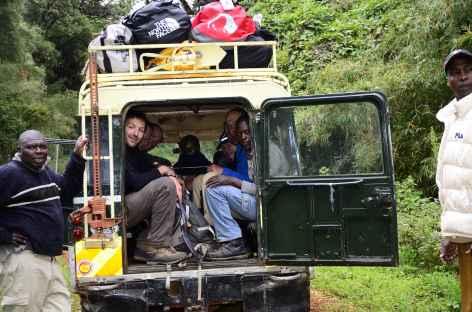 Piste chaotique pour rejoindre le village de Chogoria - Kenya -