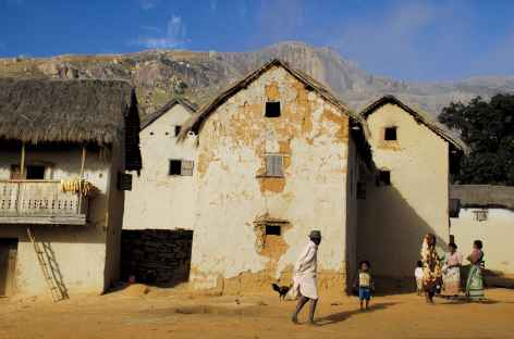 Village dans la vallée du Tsaranoro - Madagascar -