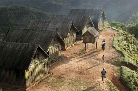 Pays zafimaniry, maisons traditionnelles - Madagascar -