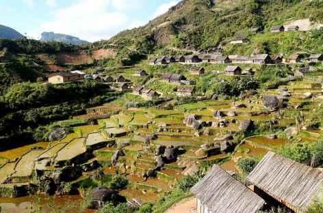 Trek en pays zafimaniry, rizières et maisons traditionnelles - Madagascar -