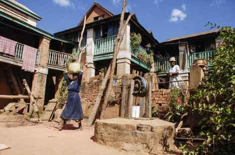 Découverte de la filière de la soie dans la région de Manandriana - Madagascar -