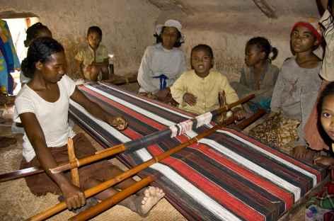Tissage de la soie vers Ambositra - Madagascar -