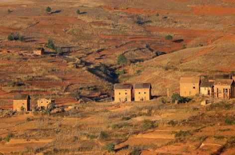 Village typique des Hautes Terres - Madagascar -