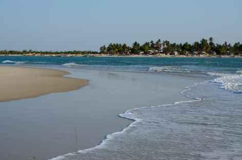 Plage sur la presqu'île de Nosy Kely, Morondava - Madagascar -