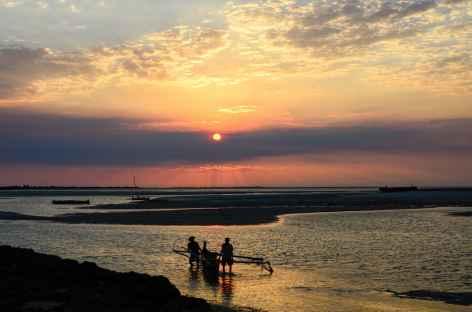 Coucher de soleil à Belo sur Mer - Madagascar -