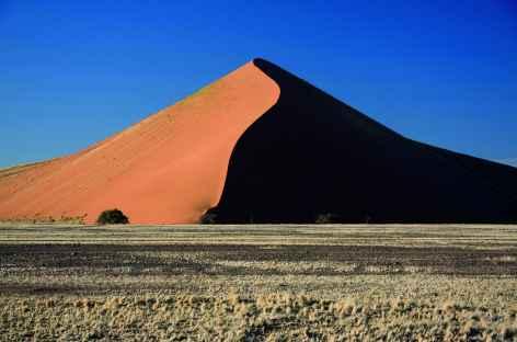 Dune 45 au lever du soleil à Sossusvlei - Namibie -