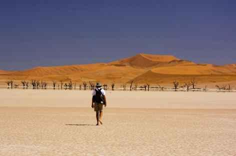 Marche à Deadvlei - Namibie -