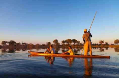 Mokoro dans le delta de l'Okavango - Botswana -