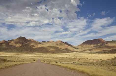 Très belle piste D707 entre Aus et Sesriem - Namibie -