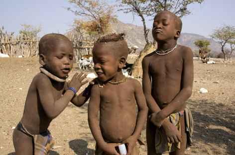Jeunes himba, Kaokoland - Namibie -