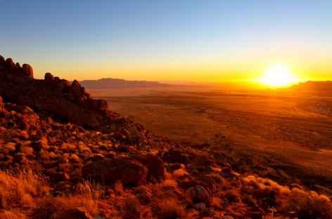 Coucher de soleil sur les hauteurs de Aus - Namibie -