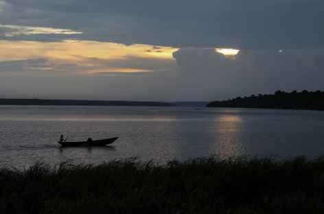 Coucher de soleil sur le Kazinga Channel, parc de Queen Elisabeth - Ouganda -