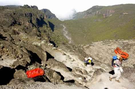 Passage par le Barranco Wall, Kilimanjaro - Tanzanie -