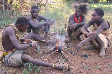 Ethnie hadzabe vers le lac Eyasi - Tanzanie -