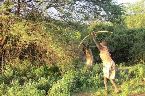 Hadzabe en pleine chasse - Tanzanie -