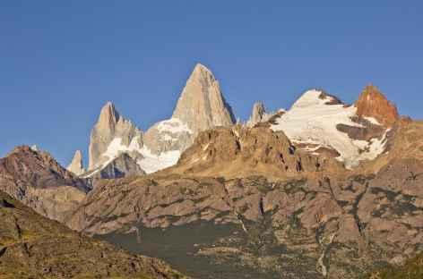Vue sur le Fitz Roy depuis le village d'El Chalten - Patagonie - Argentine -