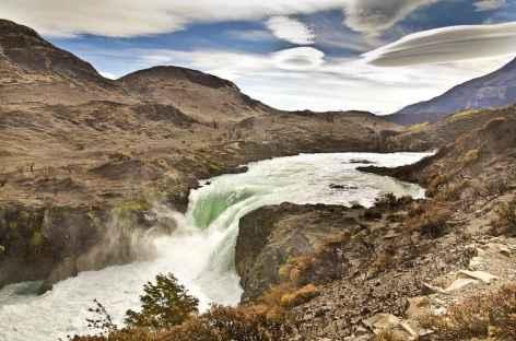 Parc national Torres del Paine, cascade Salto Grande - Patagonie - Chili -