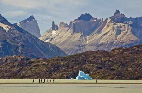 Parc national Torres del Paine, balade au bord du lac Grey - Patagonie - Chili -
