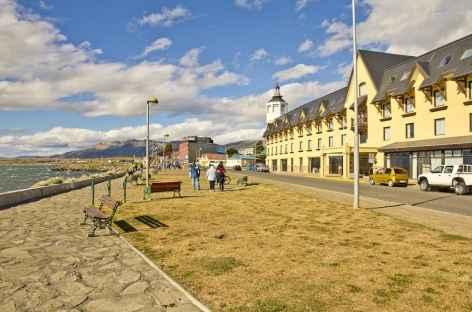 La ville de Puerto Natales au bord du Fjord Ultima Esperanza - Patagonie - Chili -