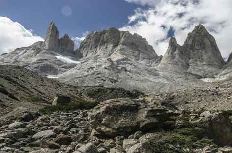 Parc national Torres del Paine, marche dans la Vallée des Français - Chili -