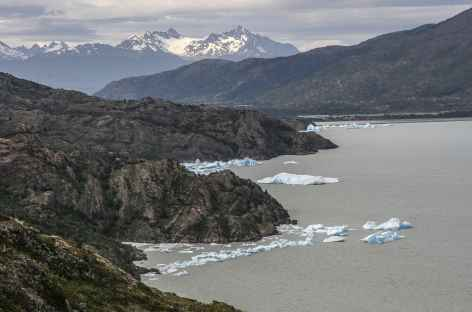 Parc national Torres del Paine, vers le glacier Grey - Chili -