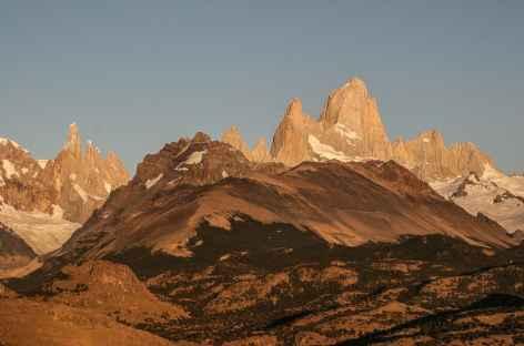 Lever de soleil sur le Cerro Torre et le Fitz Roy - Argentine -