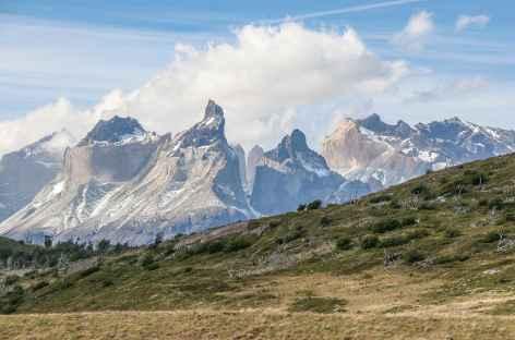 Torres del Paine, vue sur les Cuernos et les Torres - Chili -