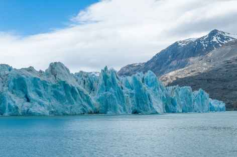 Le front du glacier O Higgins au cours de la traversée du lac éponyme - Chili -