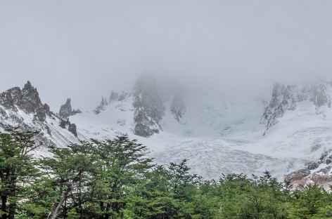 Marche vers le San Lorenzo - Chili -