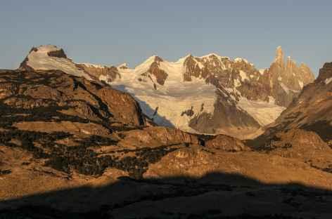 Lever de soleil sur le Cerro Torre - Argentine -