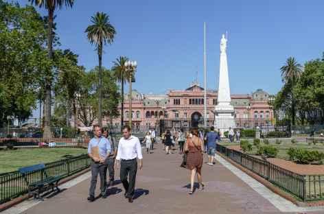 Buenos Aires, place de Mai avec la 'maison rose' - Argentine -