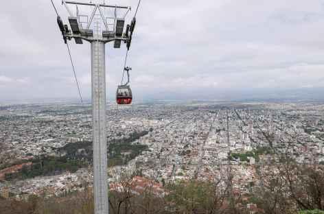 Salta, montée en téléphérique au cerro San Bernando - Argentine -