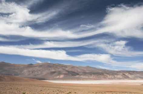 Argentine, lac salé dans la Puna -