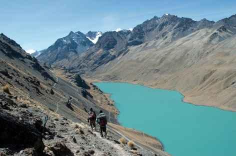 Cordillère Royale, descente au bord de la laguna Khotia - Bolivie -