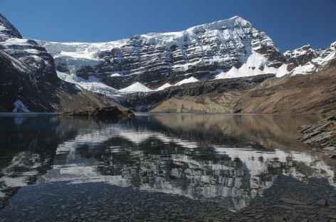 Belle lagune au pied du Mururata - Bolivie -
