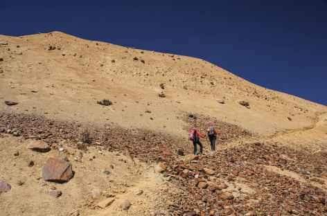 Etrange couleur morainique au cours de la montée vers le nid du Condor - Bolivie -